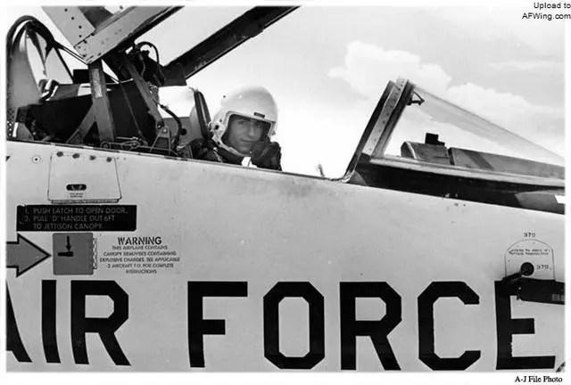 伊朗是如何擁有雄貓戰機的?盟友變敵人美國懊悔不已