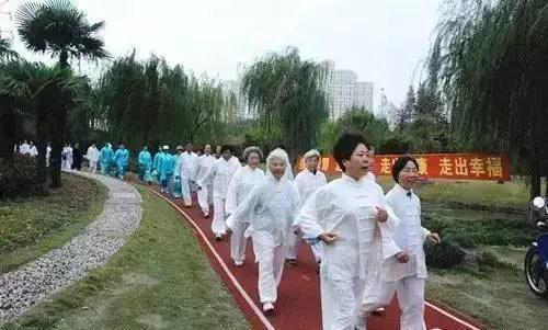 每天堅持走路,99%的人沒想到,竟然這麼驚人!
