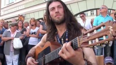 как играет на гитаре эстас тонне
