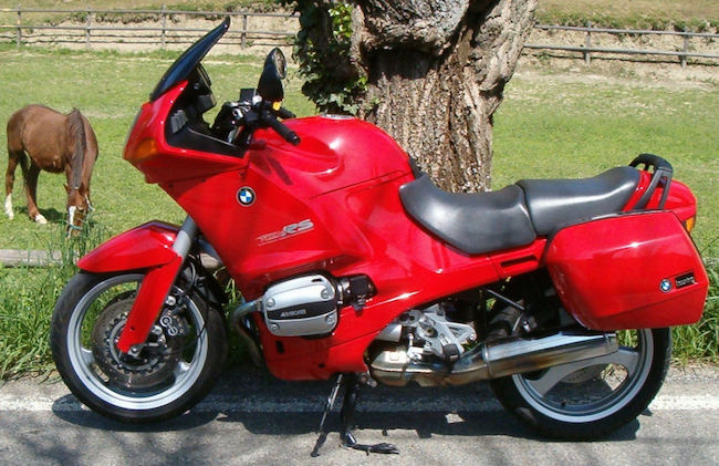 BMW R 1100 RS, the Ultimate Cruising Machine