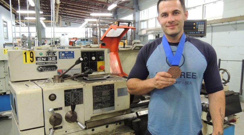 Lucas Côté-Potvin a décroché le bronze aux Olympiades des métiers et des technologies