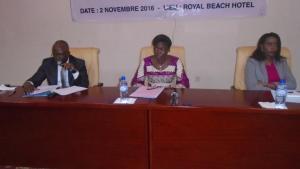 Le présidium à la cérémonie d'ouverture, avec Yvette Muhimpundu de l'UNCHR (à l'extrême droite)