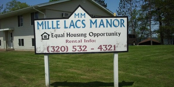 Mille_Lacs_Manor_Sign1