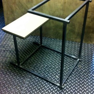 steel_school_desk_02