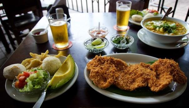 - Mondongo Soup & Pollo Empanado: Restaurante La Margarita, Medellin, Colombia