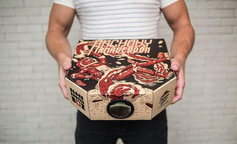Коробки Pizza Hut превращаются в кинопроекторы
