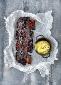 Coffee glazed short rib of beef with creamed potato and roasted carrots