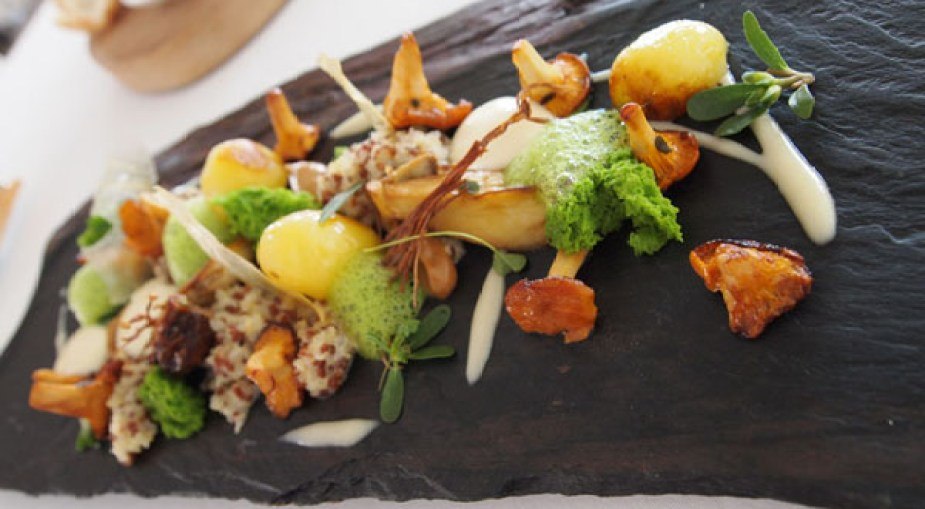 La Forêt - ceps, girolles, enoki, parsley foam and sponge, quinoa risotto, parmesan foam, Mirazur, Menton