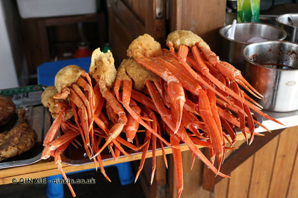 Fried crabs, Shaoxing, China