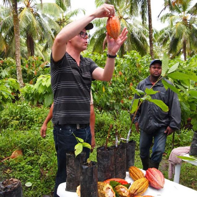 Presentation on stages of cocoa propagation, Loma Sotavento Cacao plantation, Dominican Republic