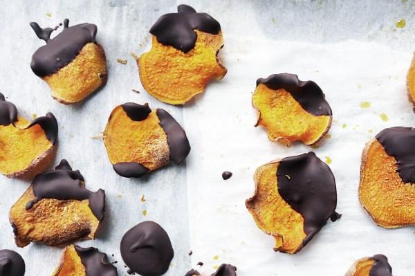 That Clean Life dark_chocolate_sweet_potato_chips Recipe
