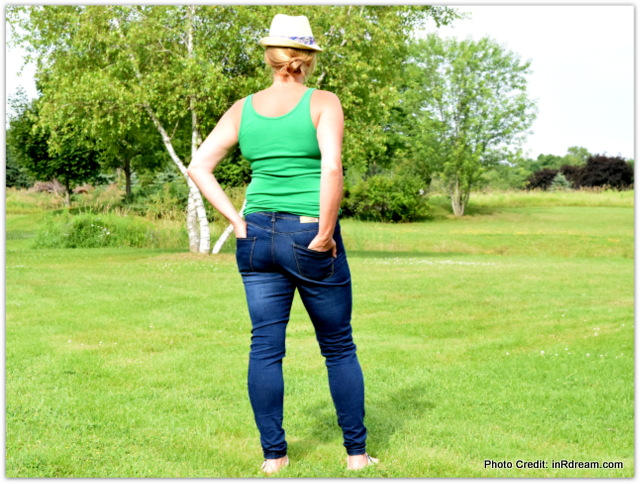 Lola Jeans review, The High rise Skinny jean, Stretch jeans, jeans for curves