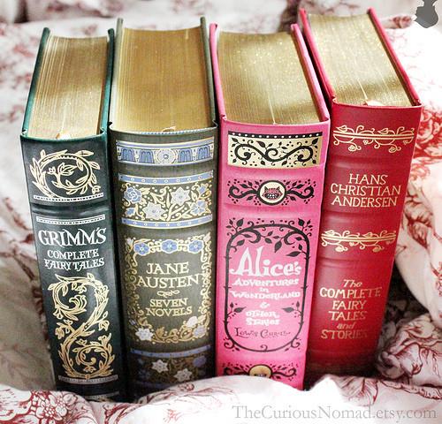alice-in-wonderland-beautiful-blue-books-fairy-tales-Favim.com-127741