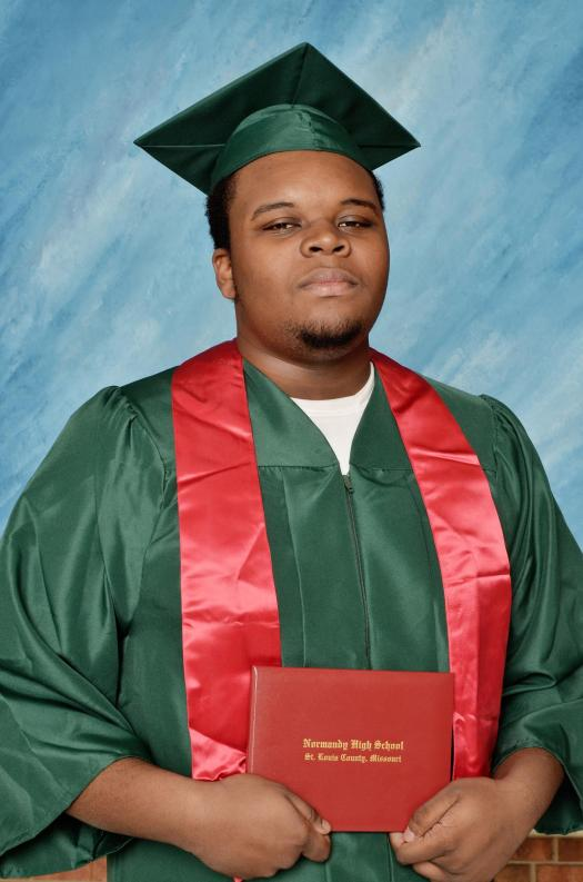 140818-michael-brown-graduation-jms-2128_e9443531d58b213656488e4ce6d17a4f