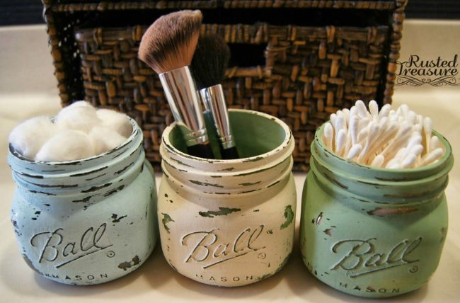 painted-ball-jars-used-for-bathroom-storage