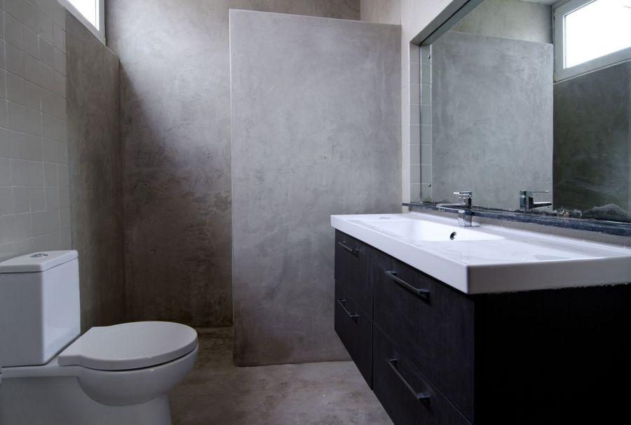 Cuartos De Baño En Microcemento:Aplicaciones del microcemento en un cuarto de baño
