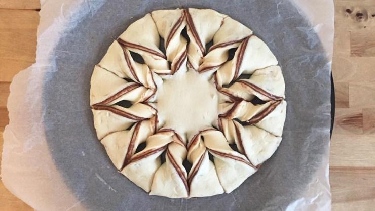 christmas-snowflake-chocolate-pastry-dessert-recipe-twist