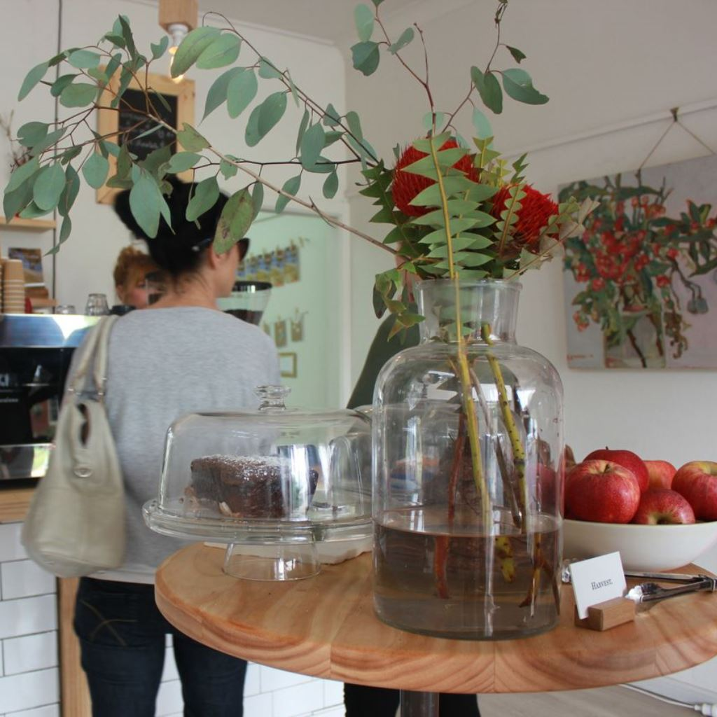 Pop-up espresso bar and art gallery, Dubbo
