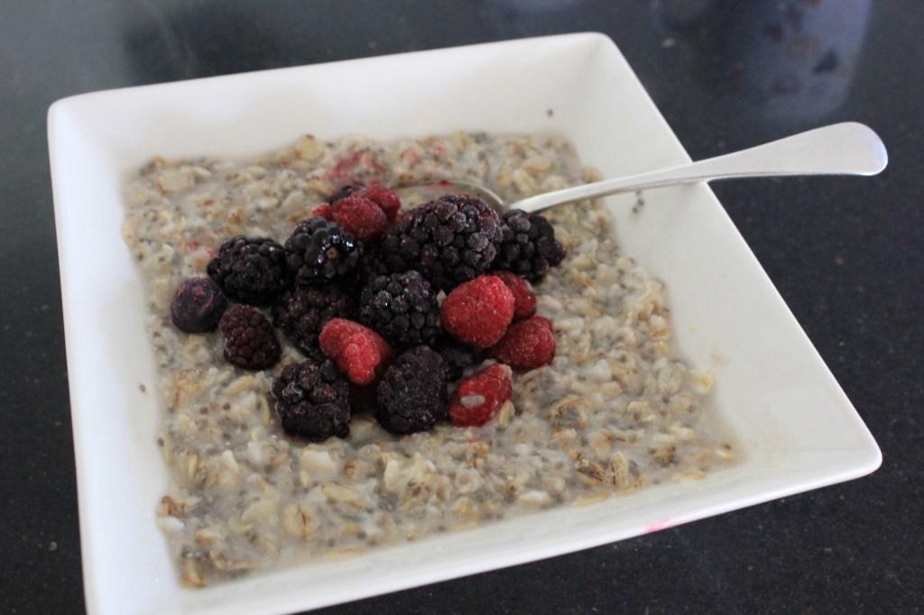 Porridge with chia seeds and berries