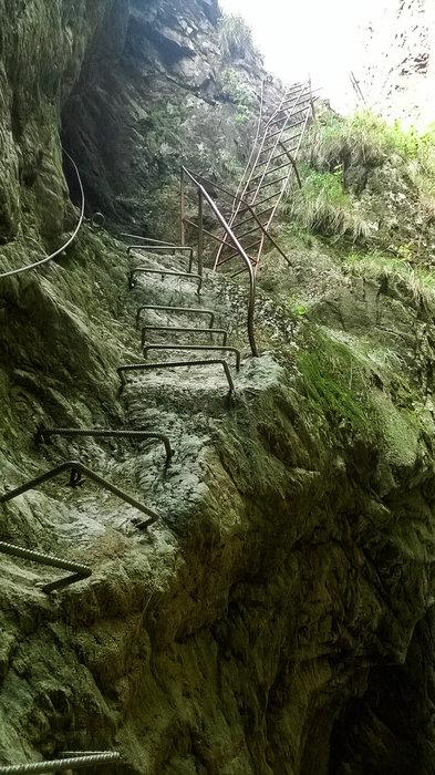 Climbing elements