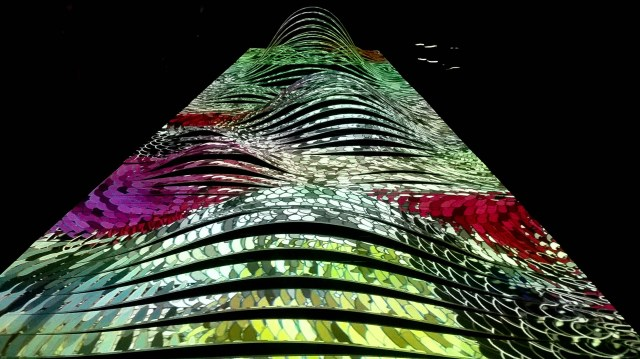 Beautiful colors flowing over the static structure, creating the illusion of motion