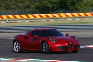 Alfa-Romeo-4C_Carscoops27[2]