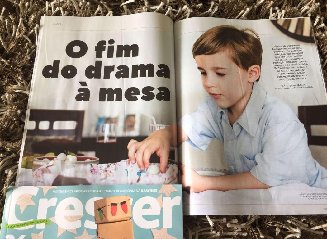 Reportagem da Revista Crescer conta como Lucas venceu a dificuldade alimentar com tratamento fonoaudiológico com a Dra. Patrícia Junqueira.