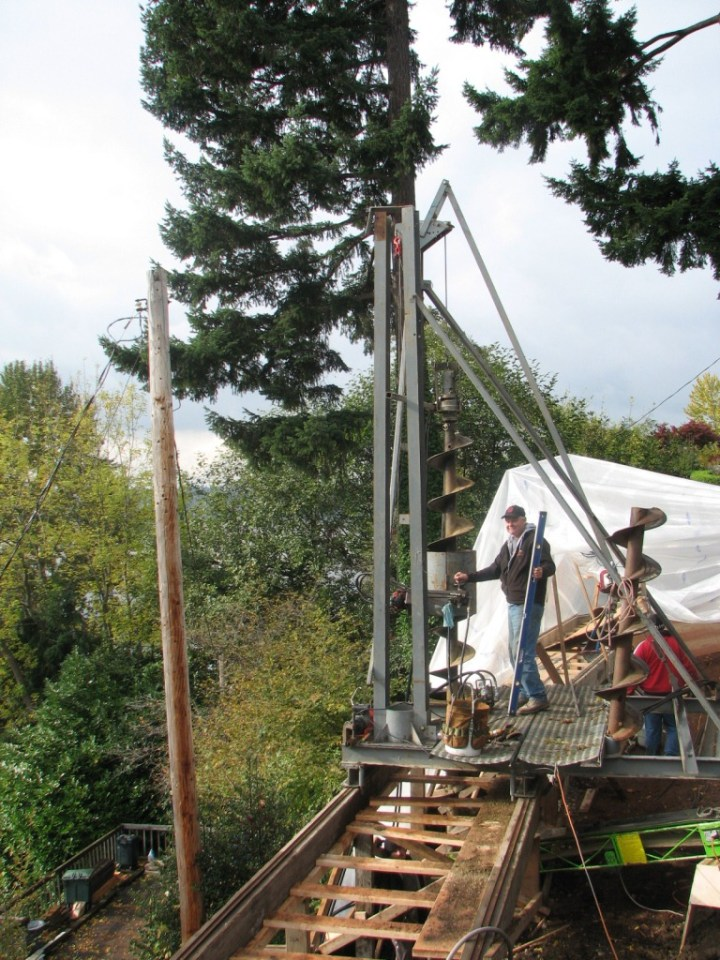 Drill Rig with drill bits drilling hole 001 - Copy