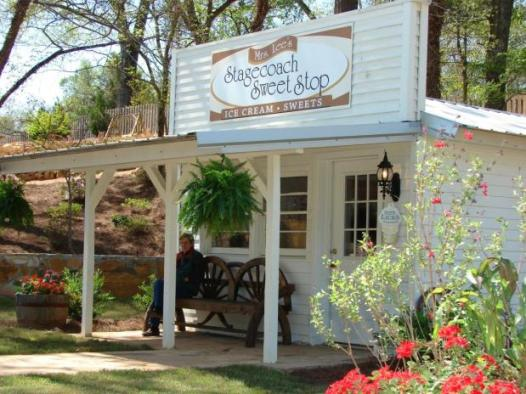 Mrs. Lee's Stagecoach Sweet Stop