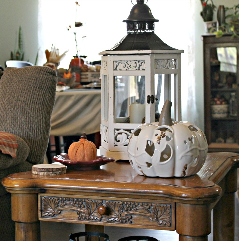 our-fall-home-tour-living-room-end-table-styled-in-white-intelligentdomestications-com