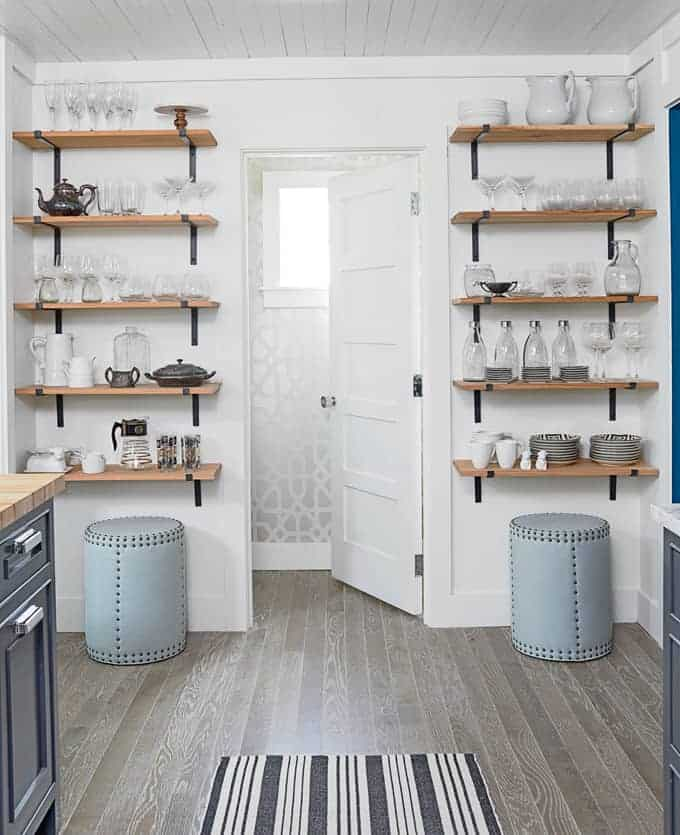 Open farmhouse shelve for your kitchen