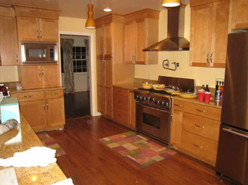 The Right Paint colors for kitchen with oak cabinets