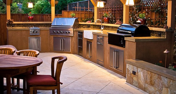 Modern outdoor kitchen enjoy the time with your friends by creating a modern outdoor kitchen - Things to consider when creating outdoor kitchens ...