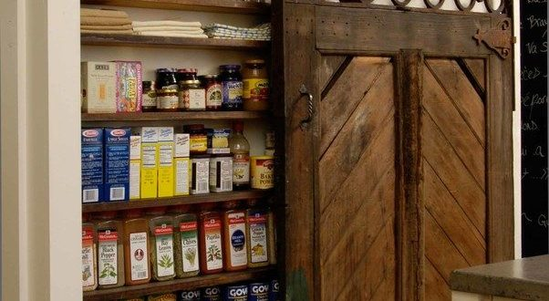 Useful ideas to help you organizing your pantry functionally and beautifully