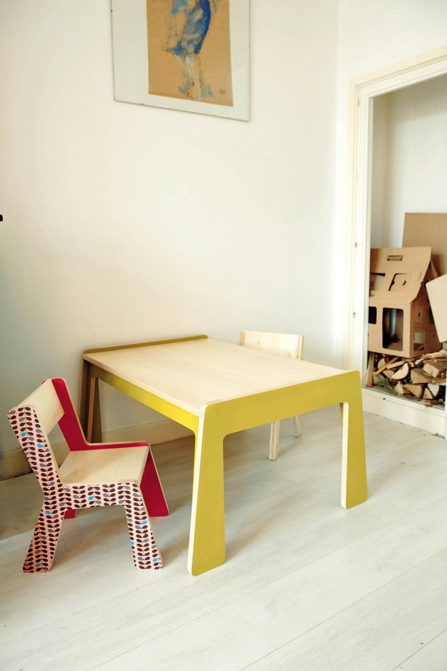 mobiliario diseñado por la familia / family designed furniture