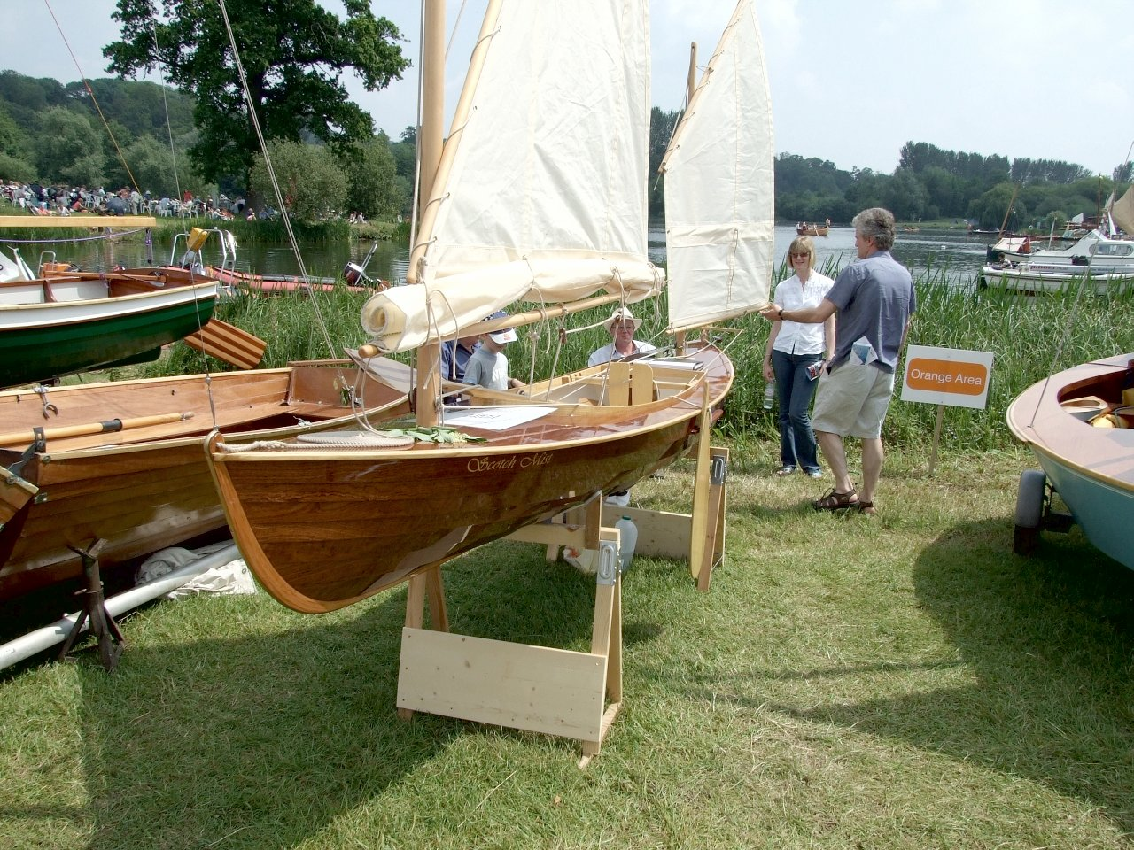 Gorgeous Oughtred sailing canoe wins 2007 Watercraft boatbuilding prize | intheboatshed.net