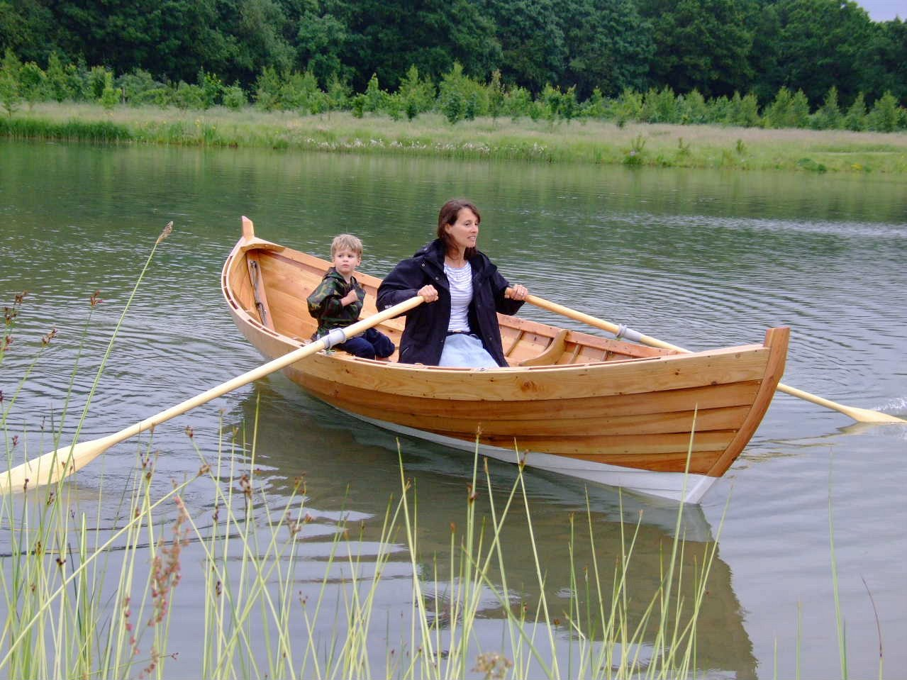 A double-ended 15ft rowing boat built by Adrian Morgan | intheboatshed.net