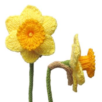 Free Knit Flower Pattern : Free Flower Knitting Patterns In the Loop Knitting