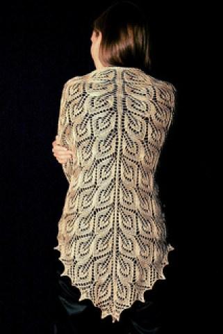 Free Knitting Patterns For Vintage Shawls : Free Shawl and Wrap Knitting Pattterns In the Loop Knitting