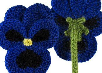 FREE KNITTING PATTERNS FOR FLOWER BROOCHES   KNITTING PATTERN