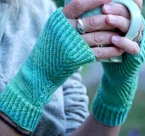 Hand Warmer Knitting Pattern : Wrist and Hand Warmer Knitting Patterns In the Loop Knitting