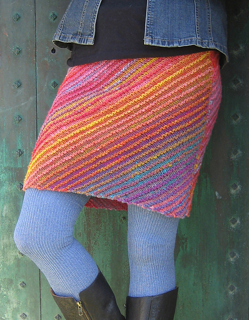 Knitting Skirt Tutorial : Dress and skirt knitting patterns in the loop