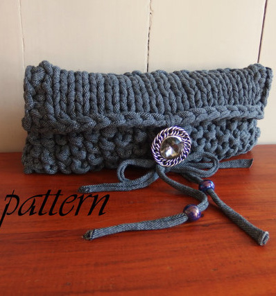 Knitting Patterns Using Recycled Materials In the Loop Knitting