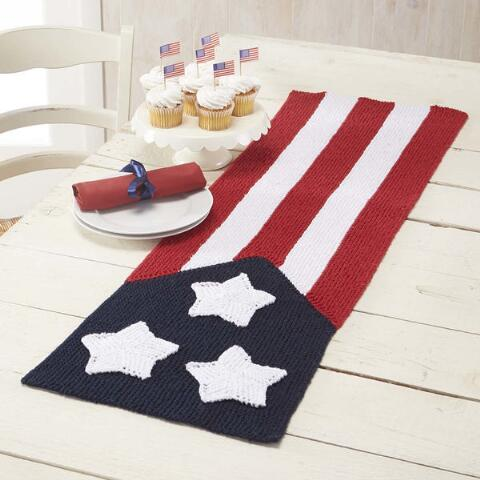 Free knitting pattern for American Flag Table Runner