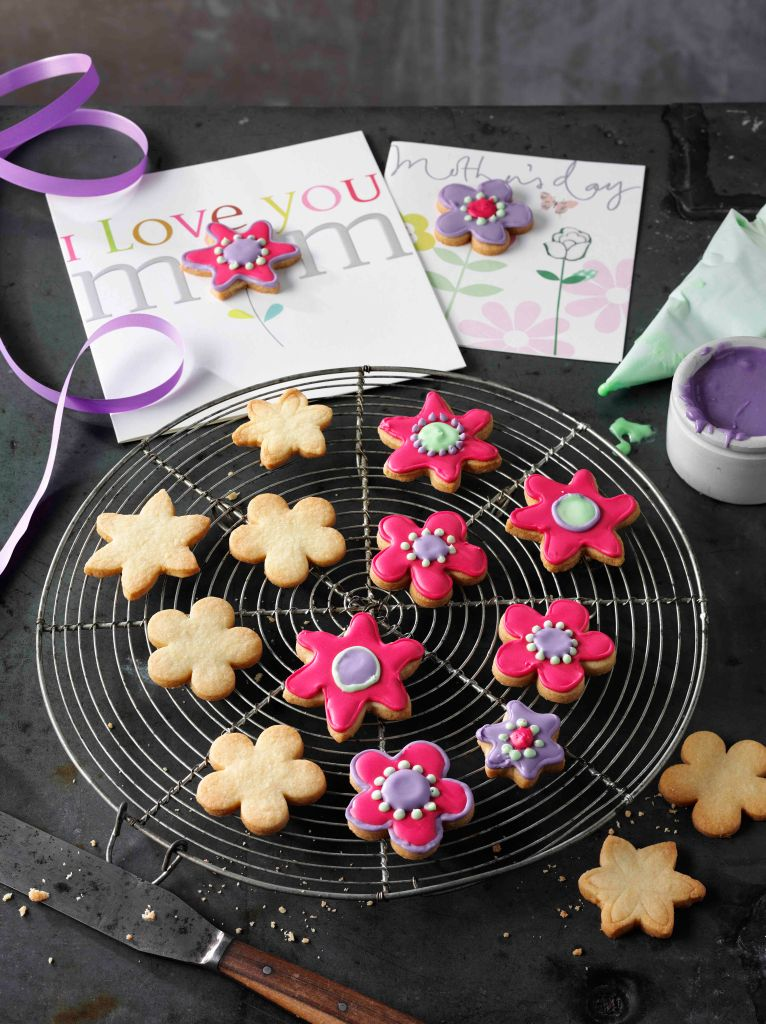Decorated Cookies and Cookie on Mothers Day Cards