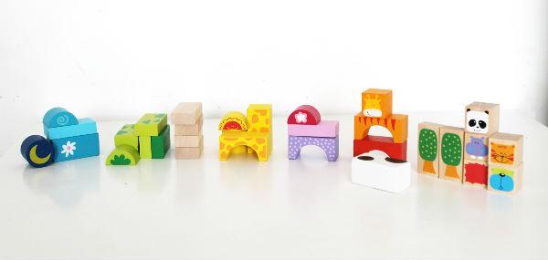 Colour sorting with Bigjigs Safari wooden blocks