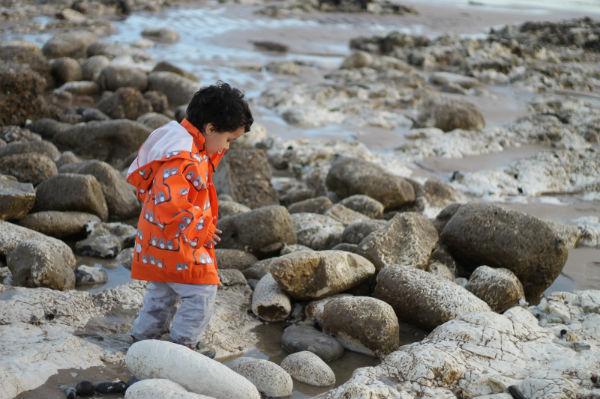 beachy head pebble beach