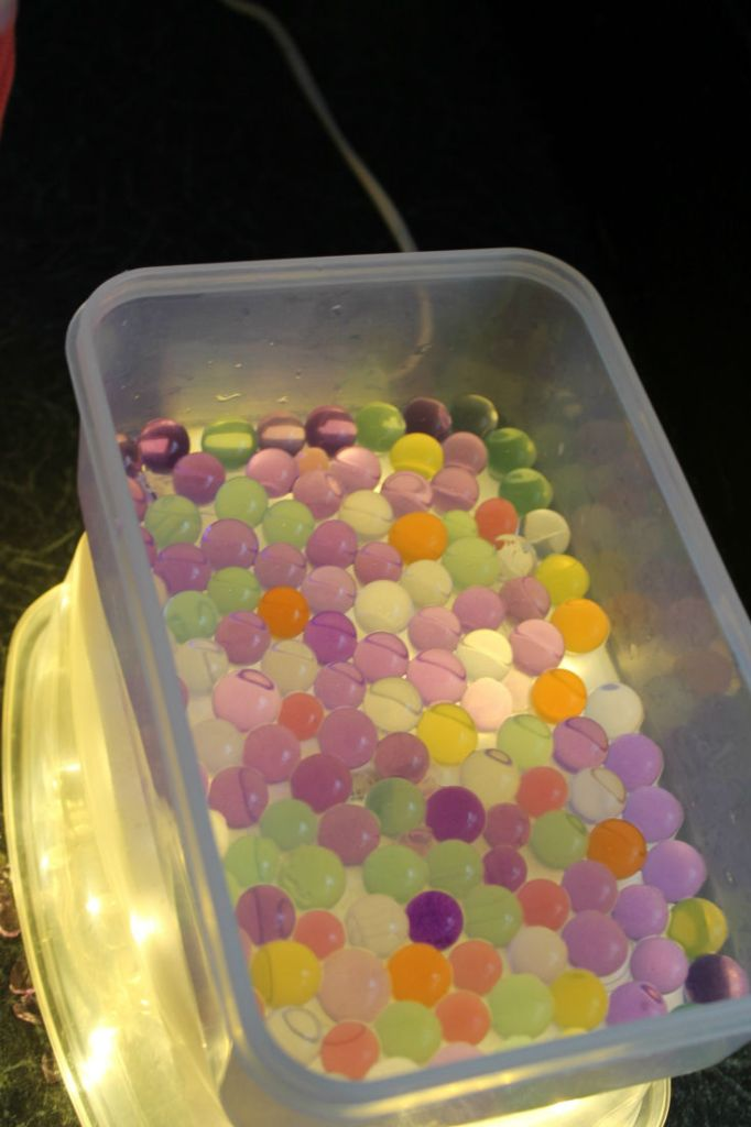 water beads on the light table (diy mini light table)