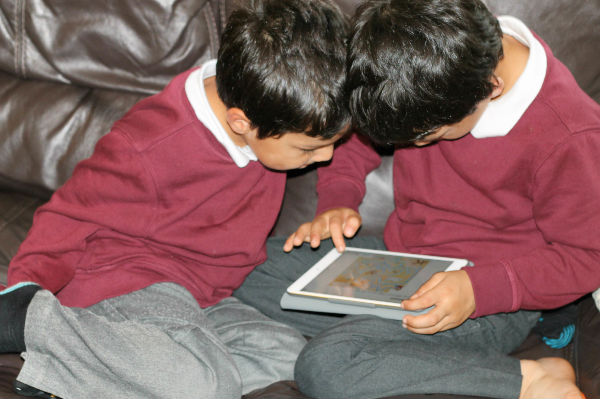 reading with the biff chip and kipper apps