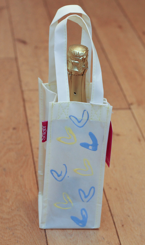 Decorated gift bag with DIY stamper, for Mother's day gift or any special occasion